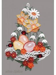Exklusives Osternest mit Schneeglöckchen und Osterglocken aus Plauener Spitze.