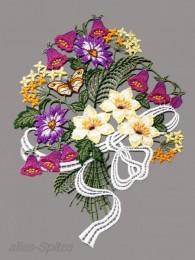 Dekorativer bunter Blumenstrauß aus Plauener Spitze