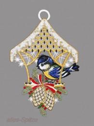 Vogelhäuschen mit Blaumeise und Zapfen rechts