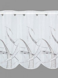 Diese fantasievolle Stickerei-Muster in weiß und taube in der weißen Scheibengardine sorgt für Begeisterung.