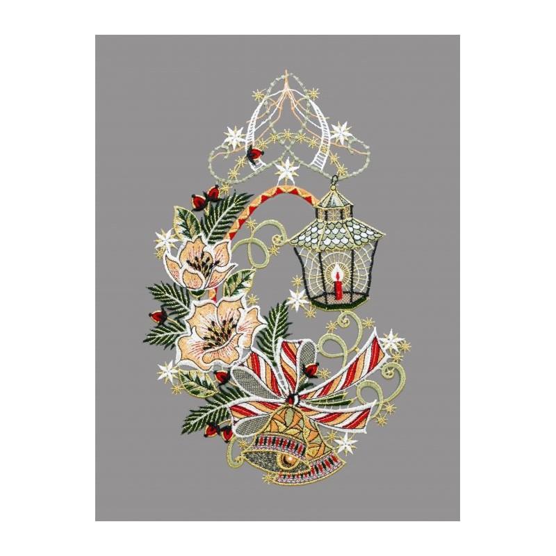 Weihnachtsfensterbild mit Christrosen, Zweigen und einer hübschen Laterne