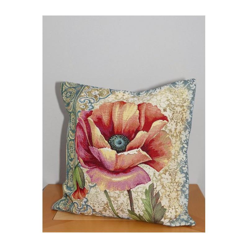 Eine große farbige Mohnblüte schmückt hier einen Gobelin-Kissenbezug