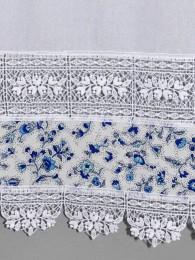 DetailbildSpitzengardine Lisann in blau-weiß