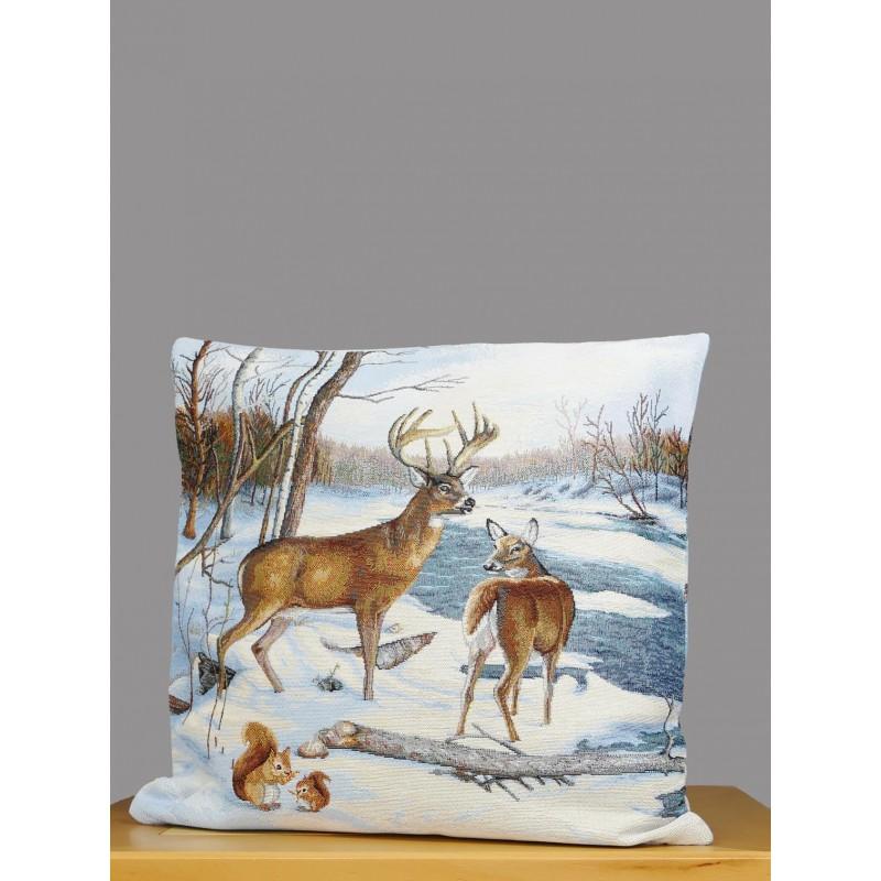 Hochwertiger Gobelin-Kissenbezug mit Hirschen in einer verschneiten Winterlandschaft.