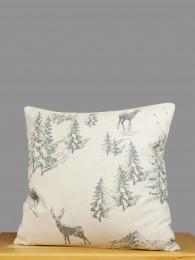 Hirsche und Tannen in grau verzieren diese zeitlose Kissenhülle.