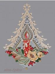 Weihnachtsfensterbilder-aus-Plauener-Spitze-und-Erzgebirgischer-Holz